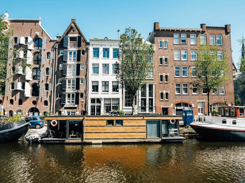 Stay on a houseboat in Amsterdam boat ac modation guide