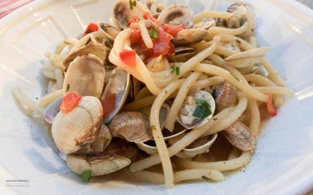 Places to eat in Lucca, Italy - spaghetti vongole