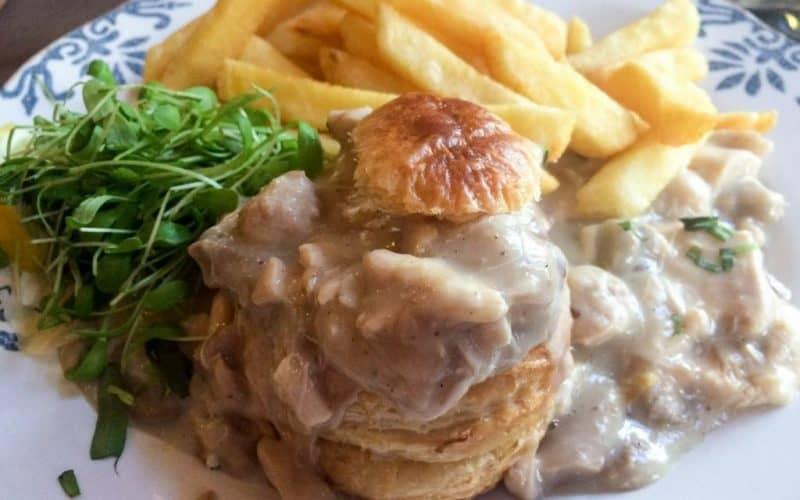 where to eat in Brussels Belgian cuisine - vol au vent