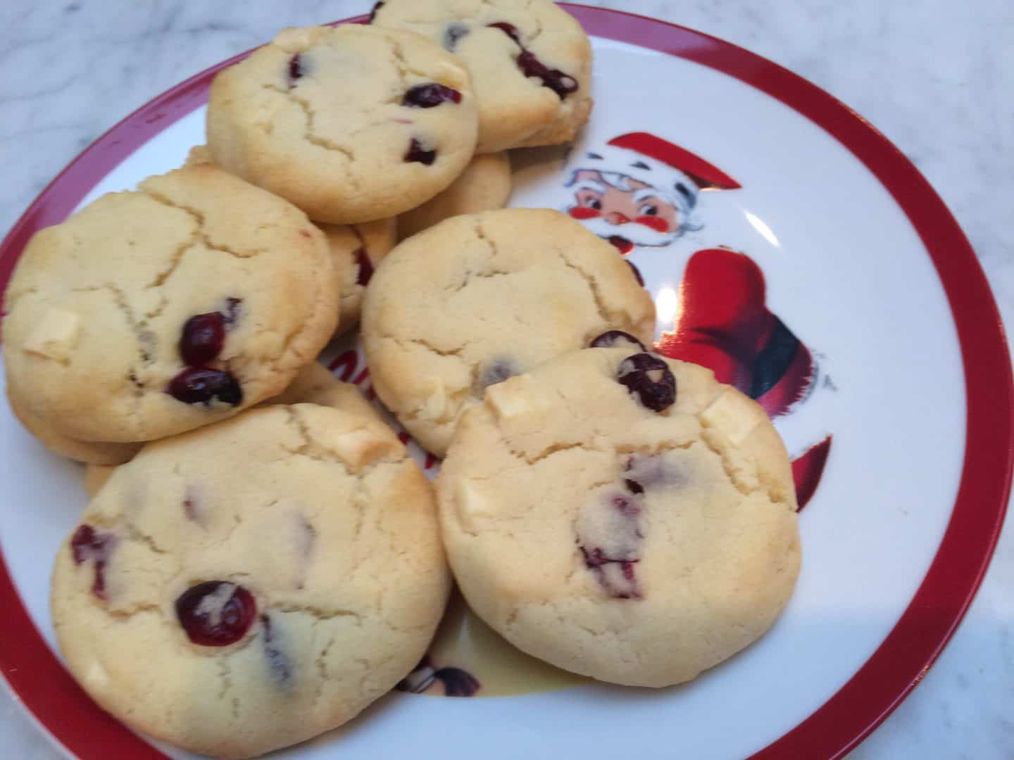 Recipe: Cranberry and white chocolate Christmas cookies