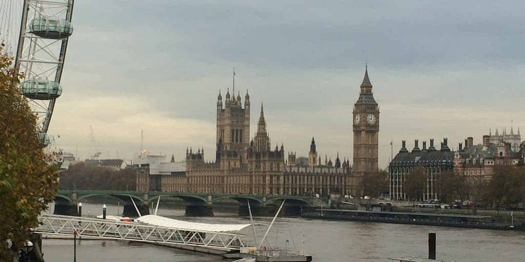 London in winter - a walk along the Thames