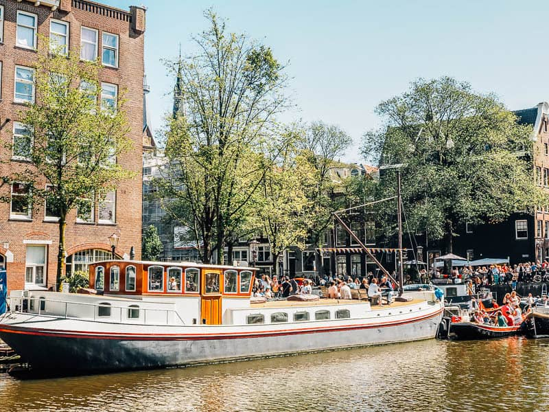 canal boat amsterdam rental