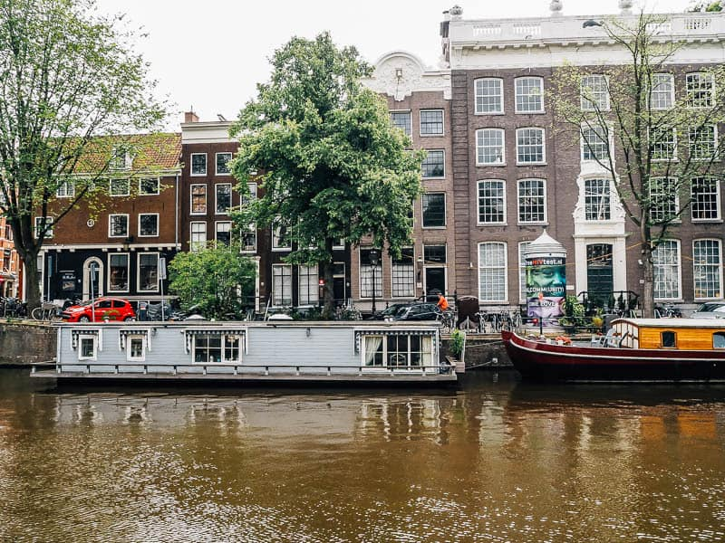 A Dreamy Stay On Houseboat In Amsterdam