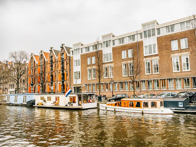 houseboat stay amsterdam