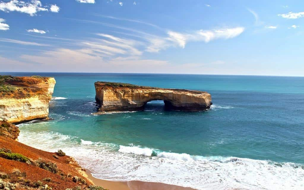 London Bridge Great Ocean Road tour Melbourne