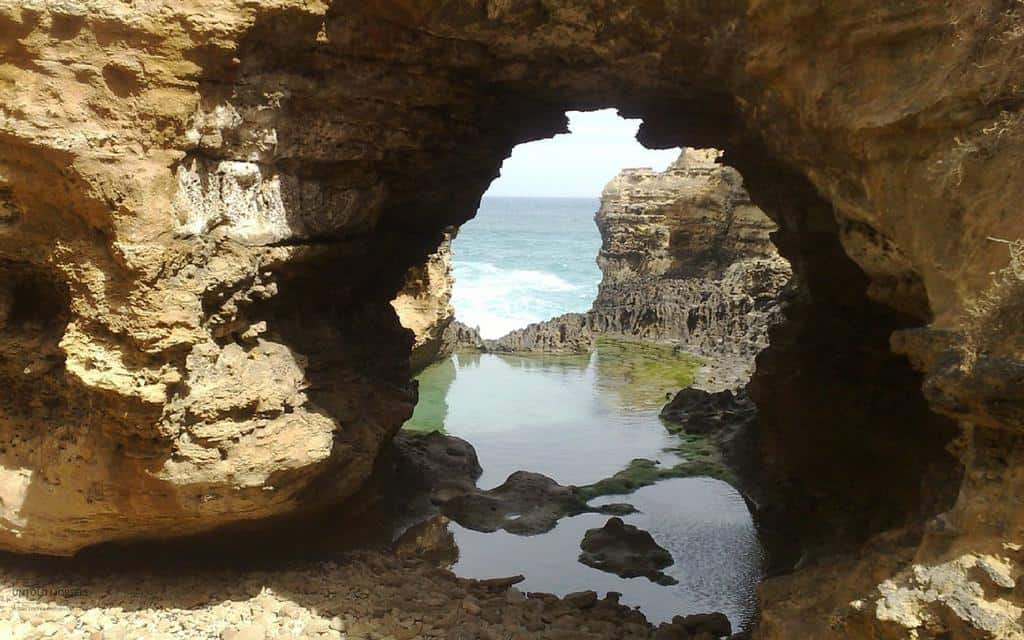 The Grotto - highlight of self drive tour Great Ocean Road