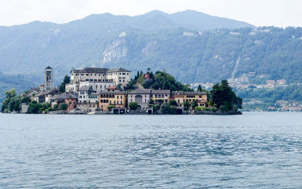 Visit Lake Orta - Isola San Giulio - things to do italian lakes
