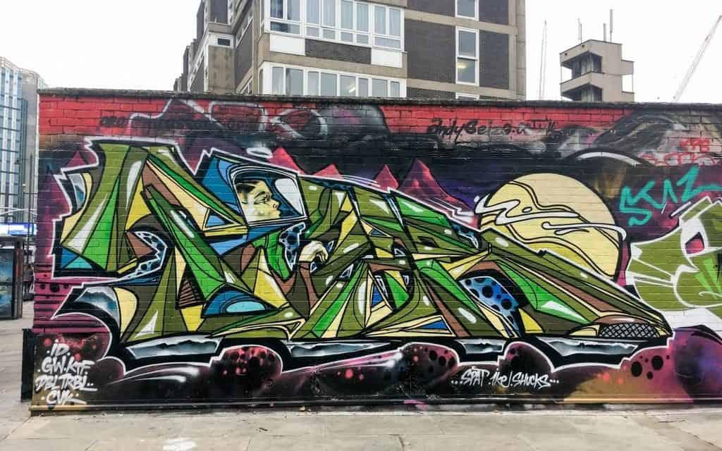 Green car mural Tyzer - London Street Art tour