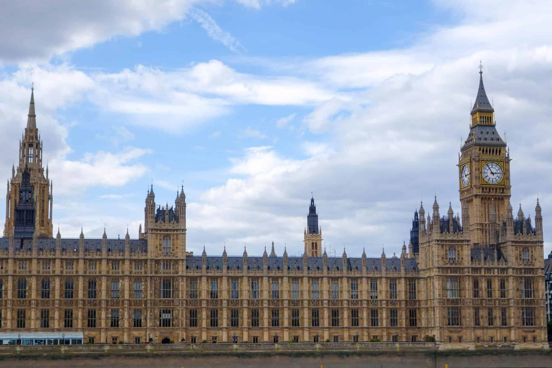 London loves: Houses of Parliament afternoon tea and tour ...
