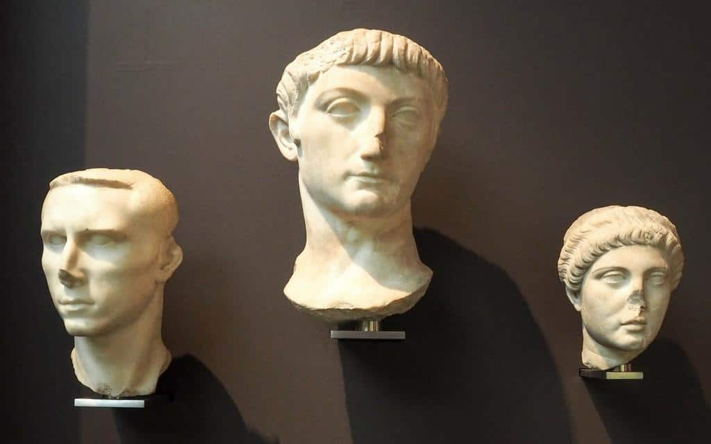 roman statues missing noses at british musem