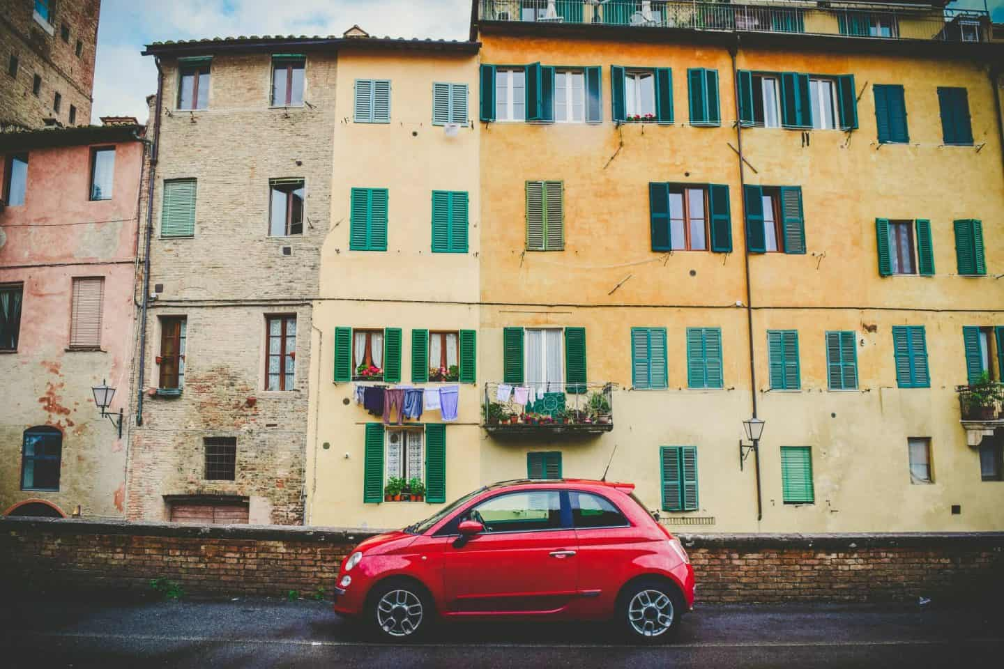 Hiring a writer car in italy tips