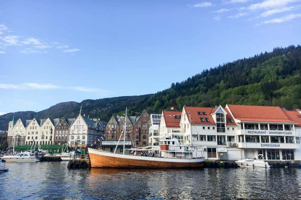 Discover beautiful Bergen – maritime city and gateway to the fjords