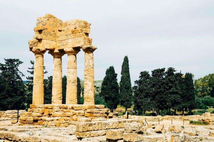 temple of castor and pollux agrigento