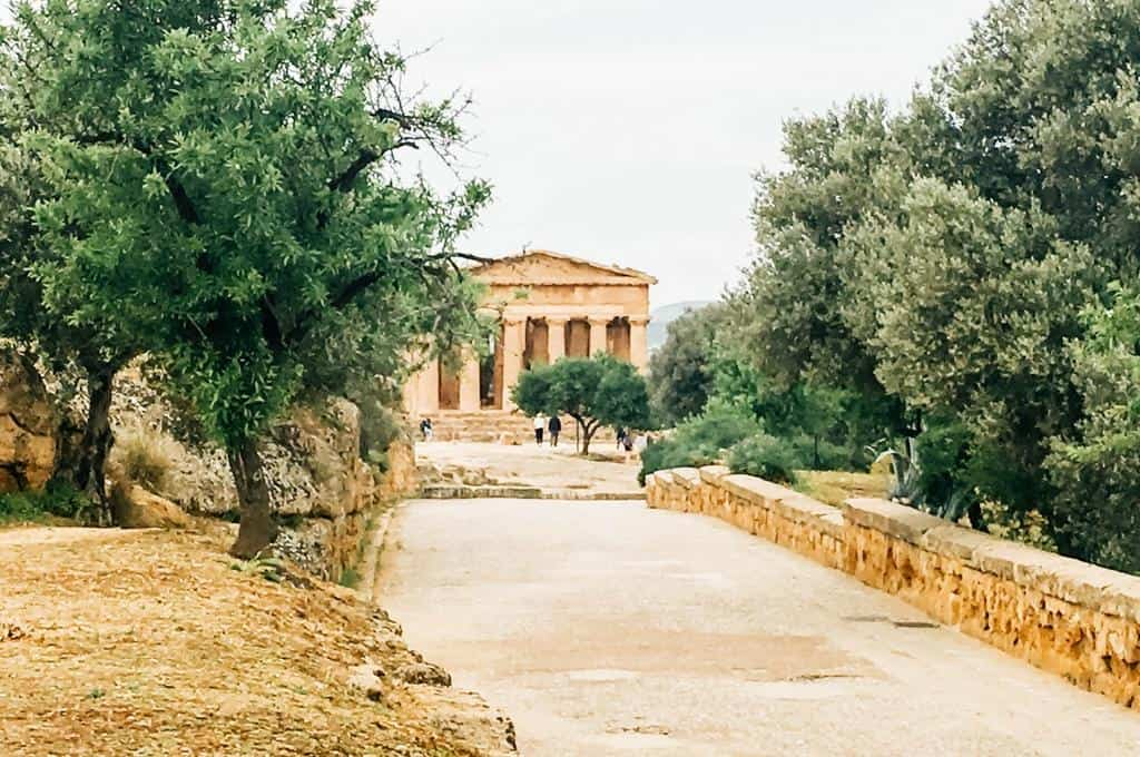 visit the valley of the temples sicily