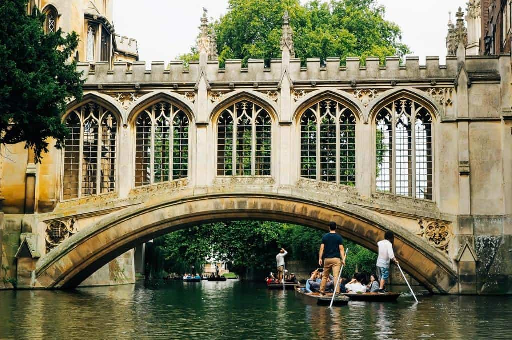 the perfect cambridge day trip punting pubs and more. Black Bedroom Furniture Sets. Home Design Ideas