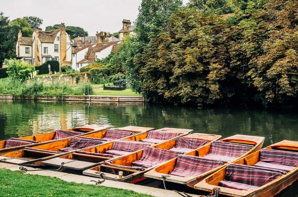 punts lined up on the river cam