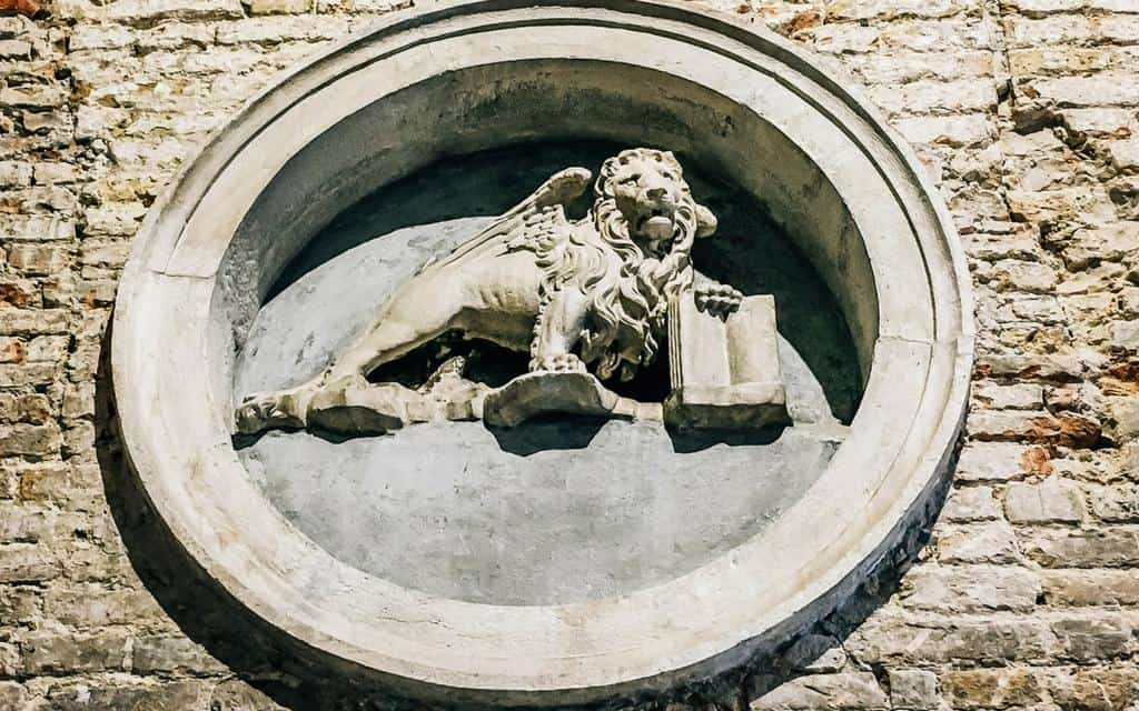 spot the lion in venice