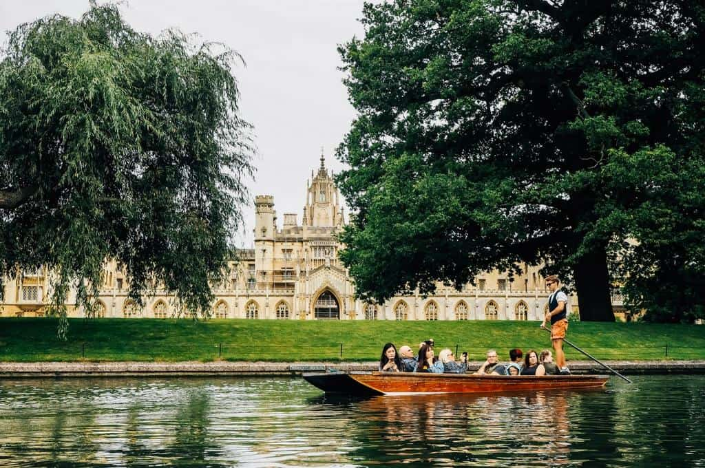st Johns college cambridge from the Cam River