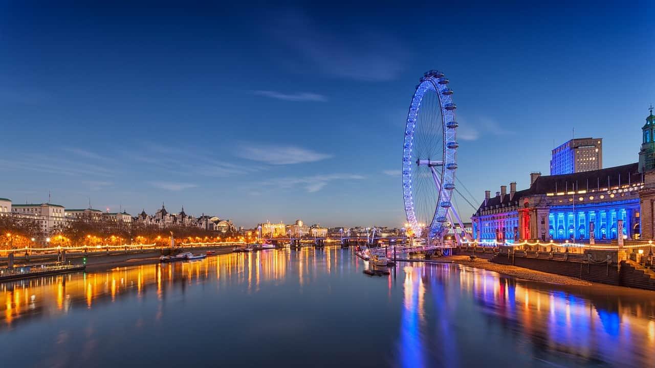 night river cruise london