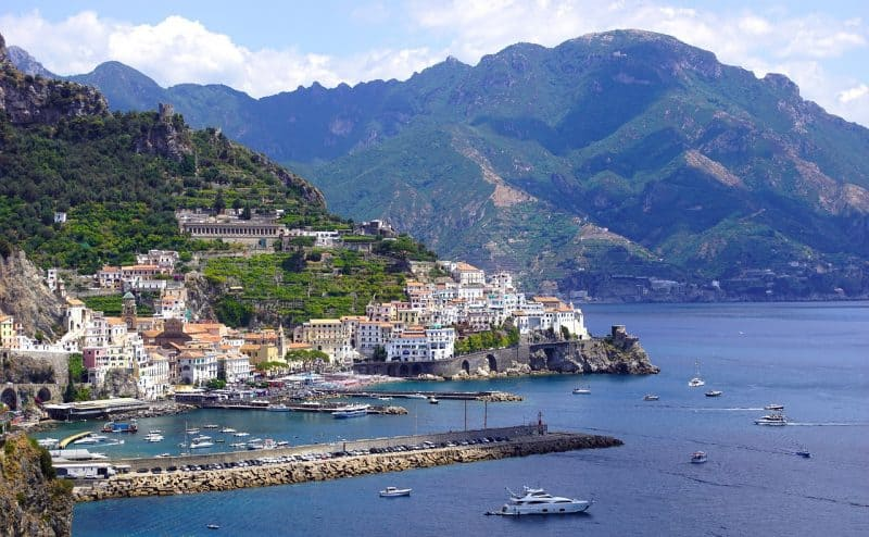 amalfi - best beach towns in italy