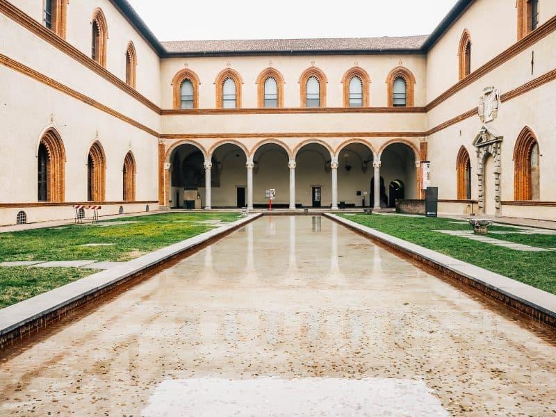 hotels near castello sforzesco milan