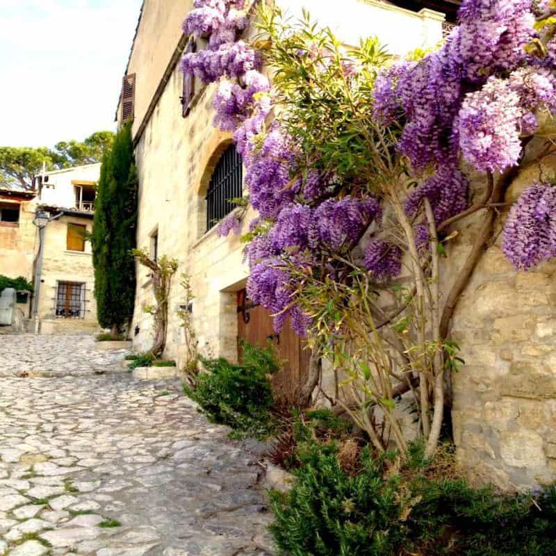 Villeneuve les Avignon - south of france villages
