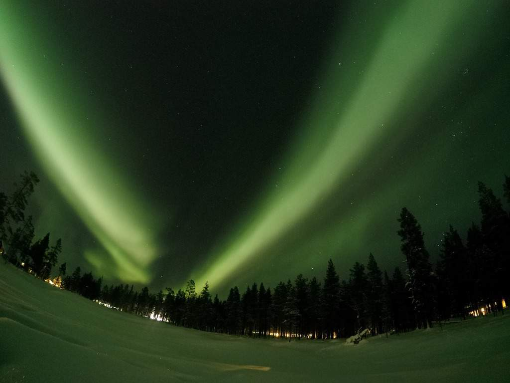 northern lights - best things to do in finland