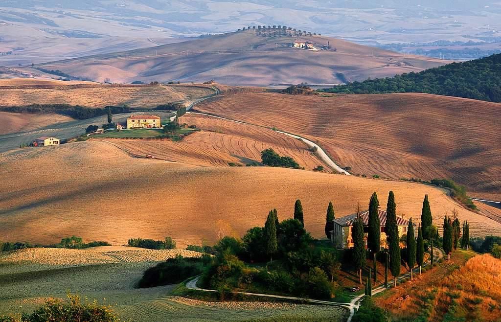tuscany countryside - italy trip itinerary