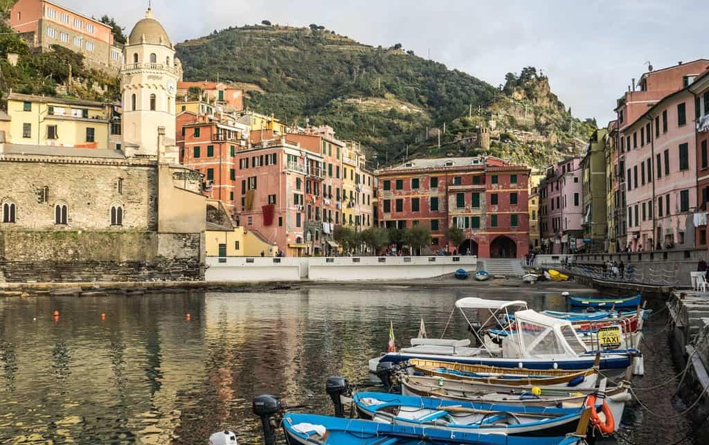 boats vernazza highlight of italy
