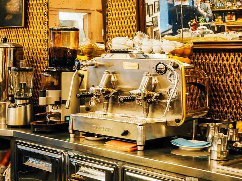 best travel tips for italy - drink italian coffee