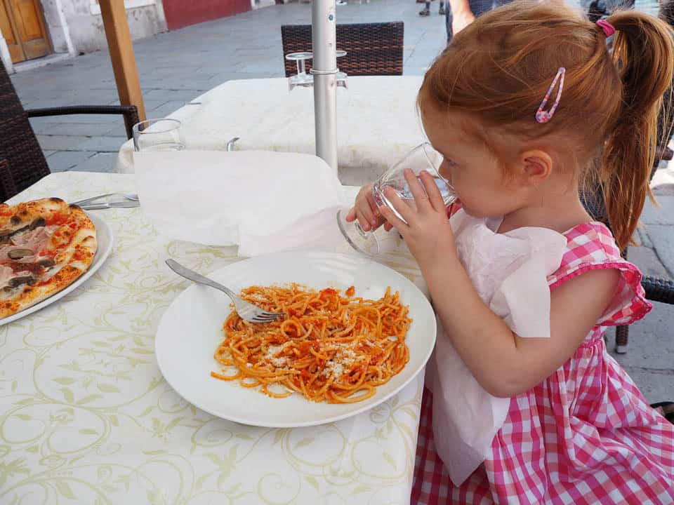 dining with kids in italy