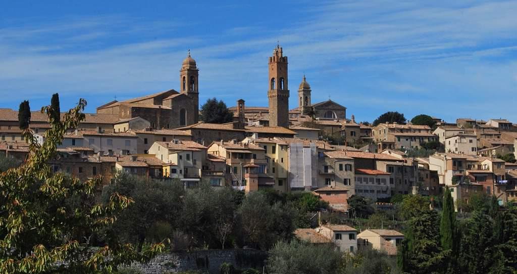 brunello di montalcino tuscany wine tour