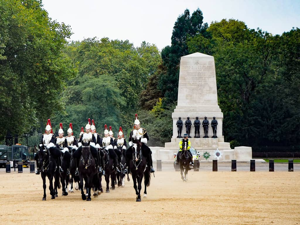 horse guards london - best things to do in london with kids
