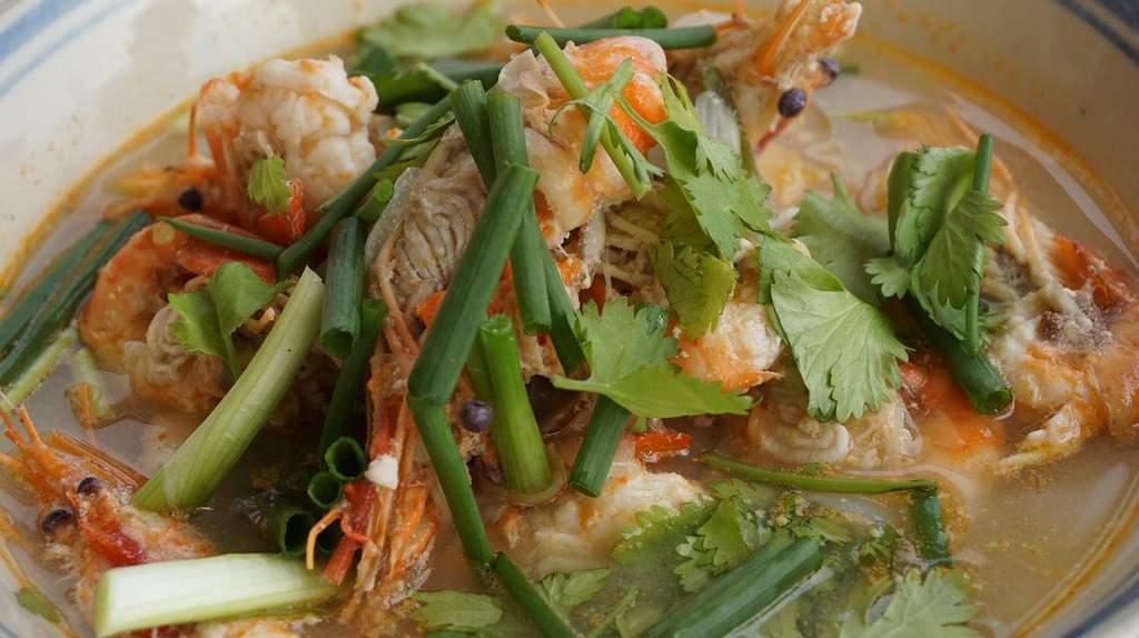 tom yum goong - spicy thai soup - spicy thai food