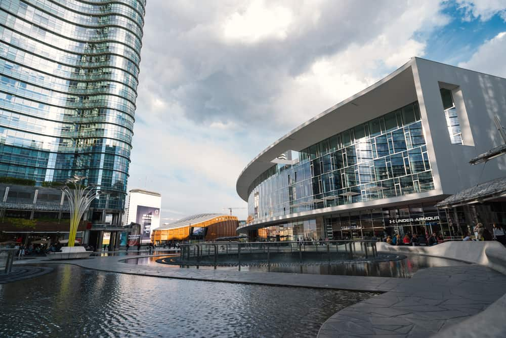 piazza gae aulenti - milan must see attractions