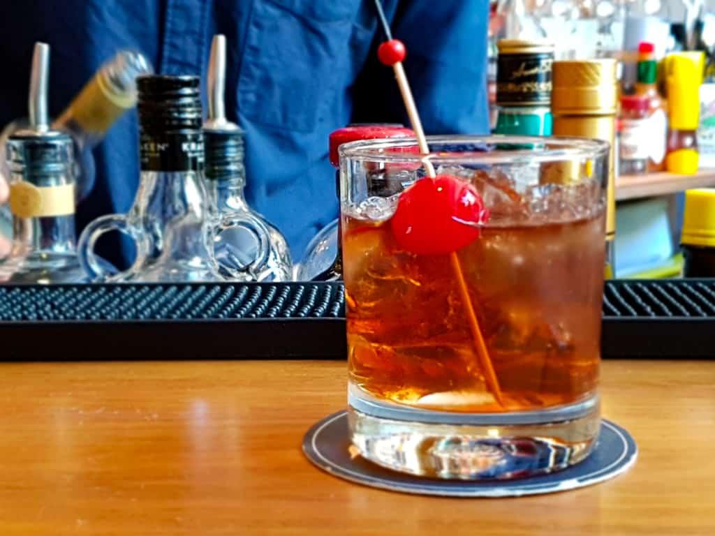 make mine a manhattan whiskey bar melbourne