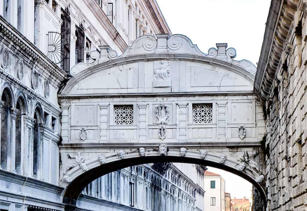 bridge of sighs - best things to see in venice