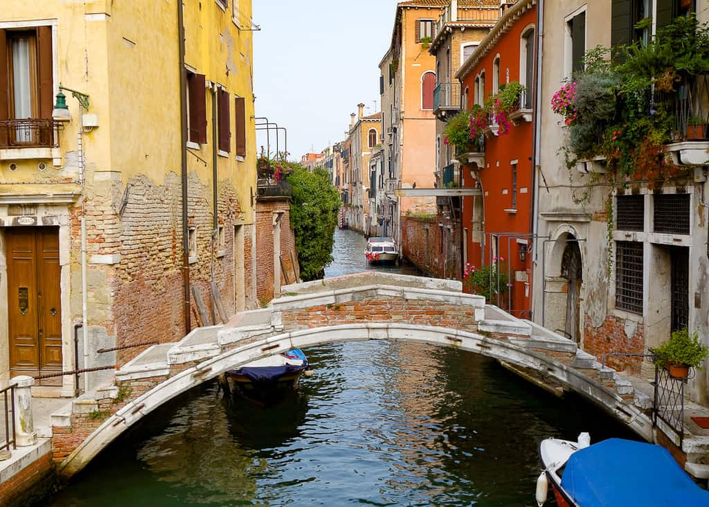 ponte chiodo - free things to do in venice