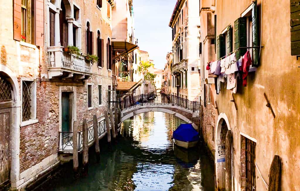 explore the side canals - free things to do in venice