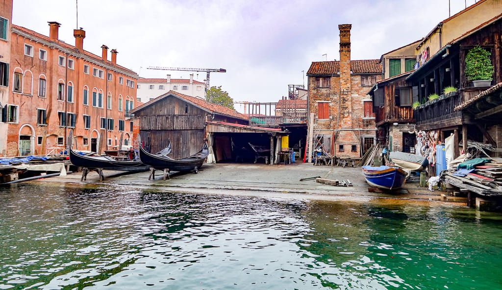 gondola workshop - what to do in venice italy