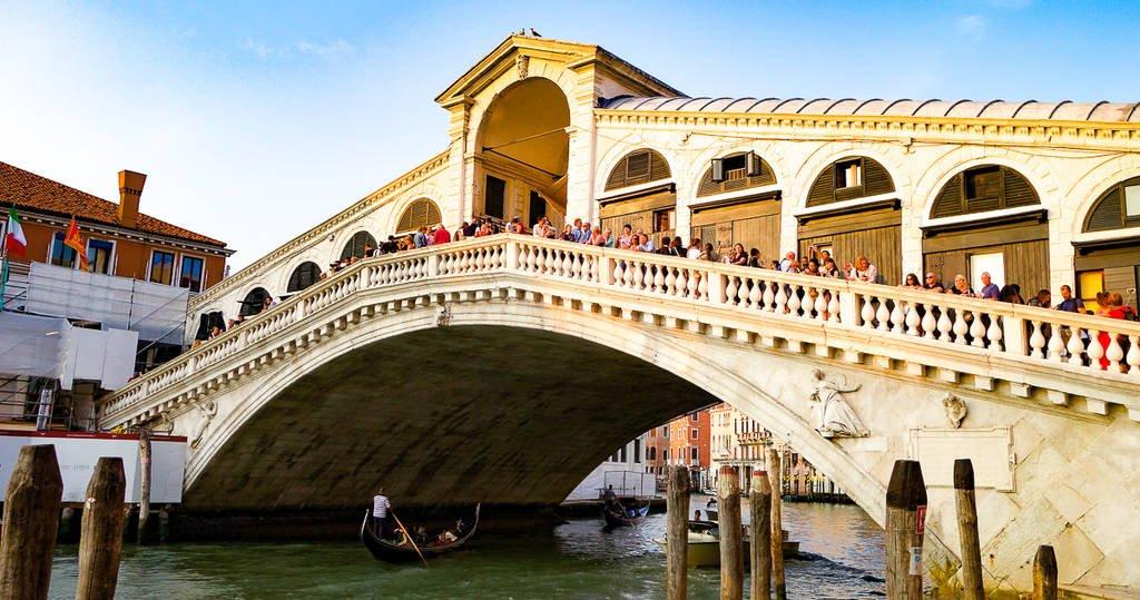 top sights in venice - rialto bridge