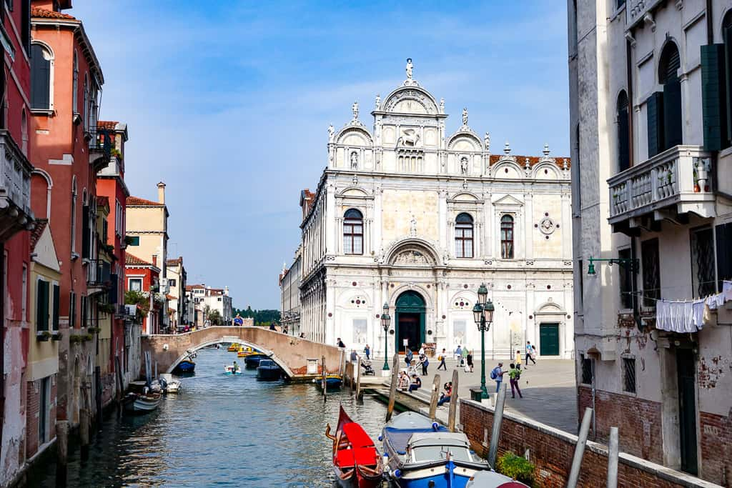 neighborhoods venice - best places to stay in venice