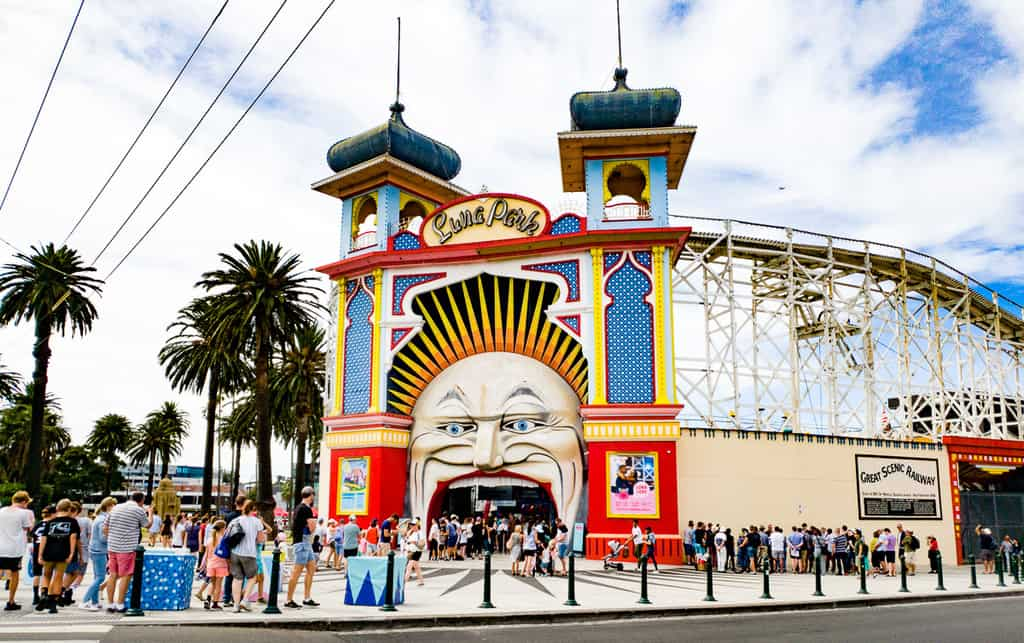 things for kids to do in melbourne - luna park