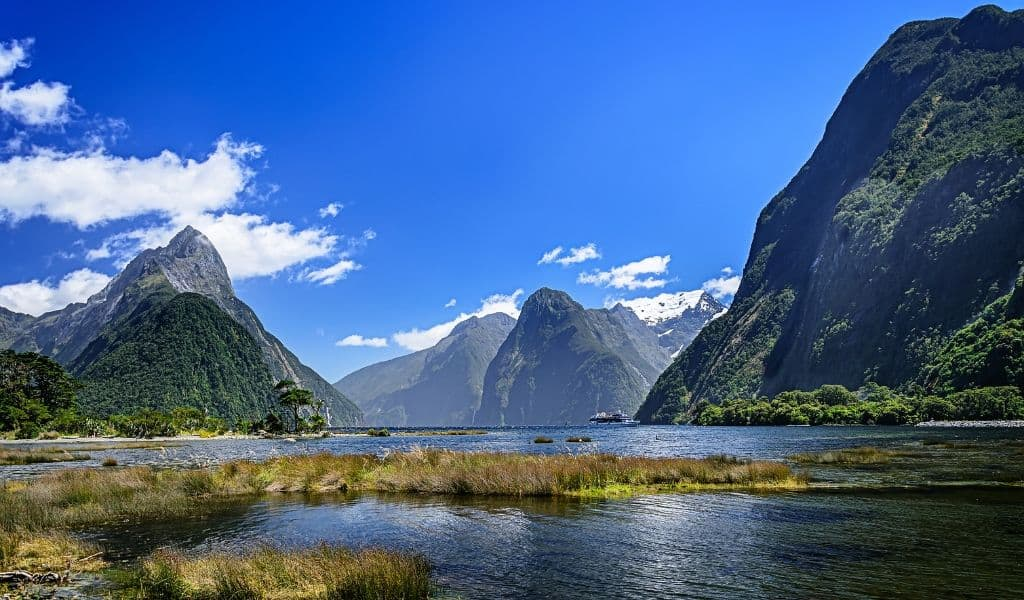 things to do in new zealand south island - milford sound