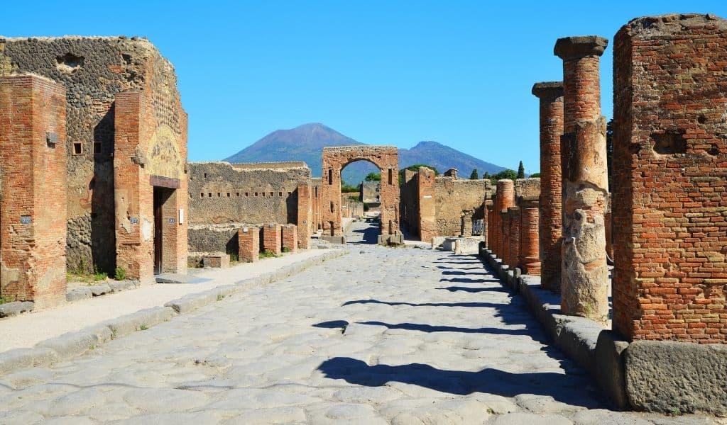 pompeii day trip from positano
