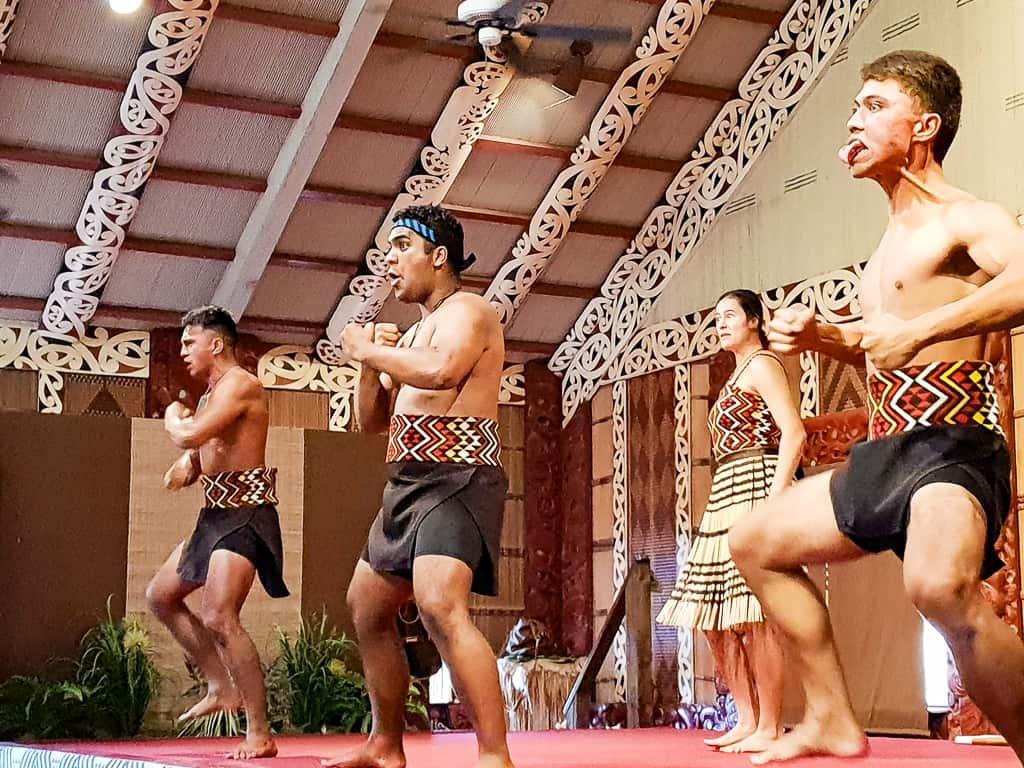 oahu polynesian cultural center luau