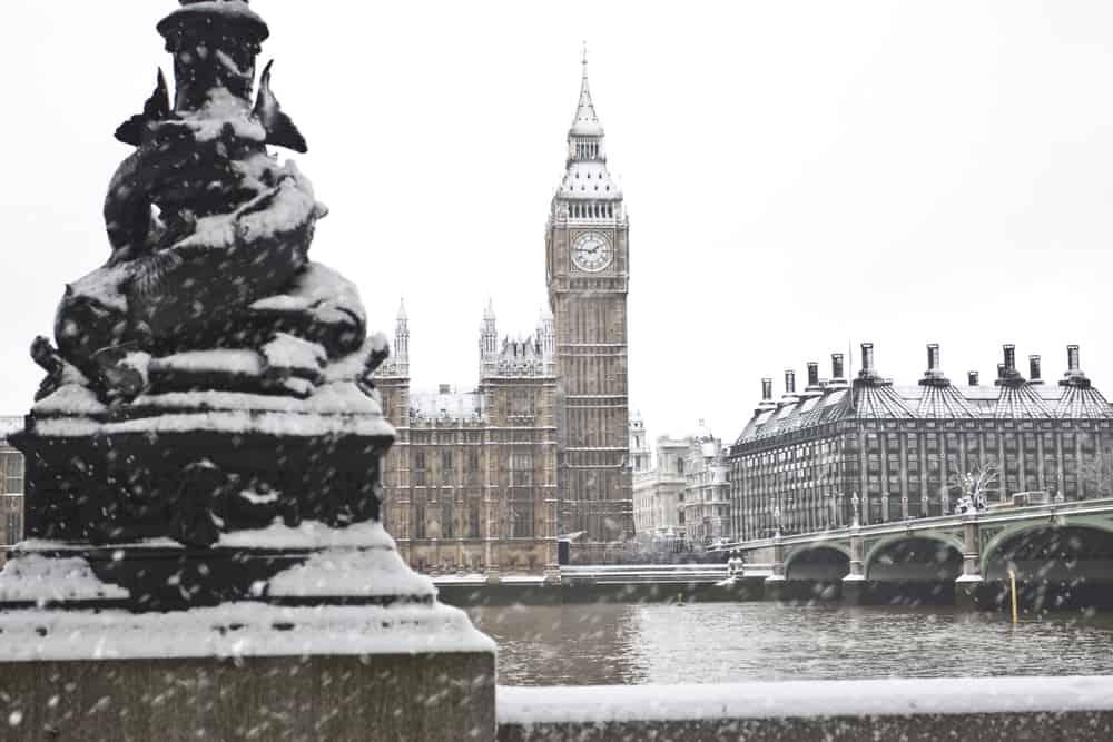 snow in london in winter